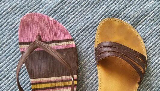 Žabky vs. sandále