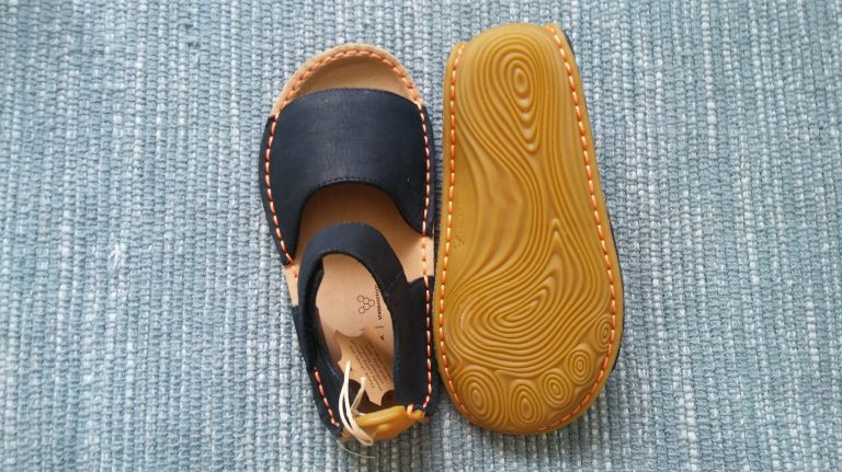 Sandále Vivobarefoot ABABA, recenzia