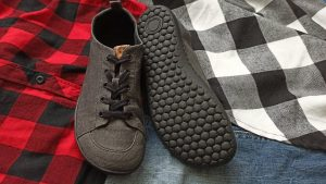 mukishoes-obsidian-low