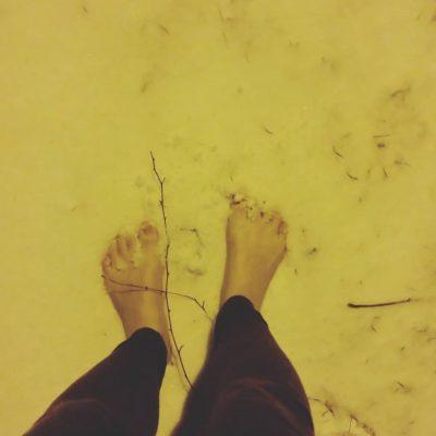 bosé nohy-sneh