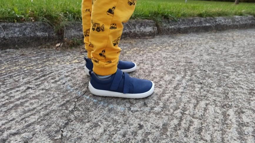 be-lenka-jolly-barefoot